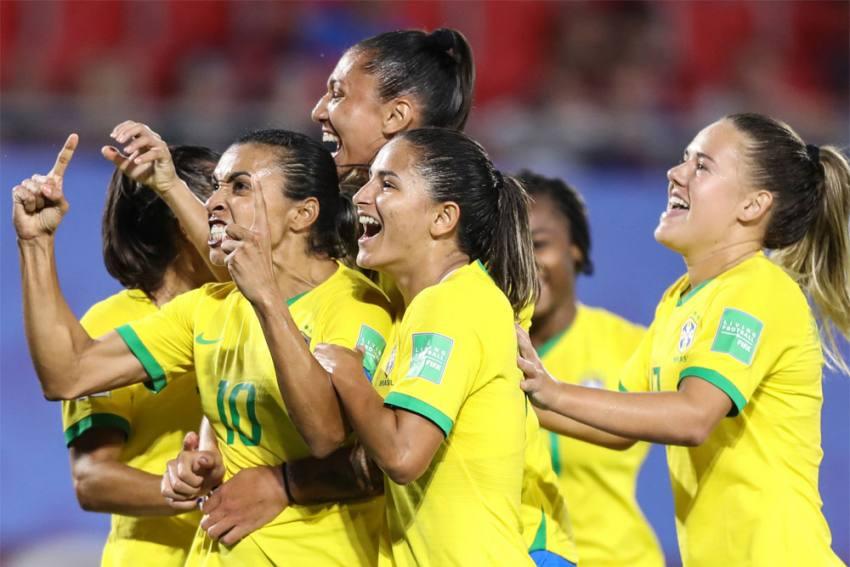 Brazil Women's Football Team Protests Harassment Amid Probe