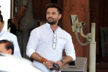 5 Lok Janshakti Party MPs Join Hands To Oust Chirag Paswan As Their Leader