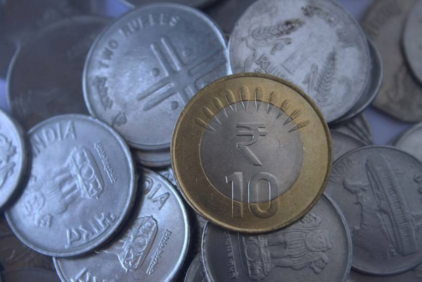 Rupee Falls For 6th Straight Session, Settles 2 Paise Down At 73.31/USD