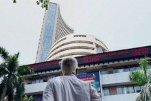 Sensex Drops 179 Points; Nifty Ends Below 15,700
