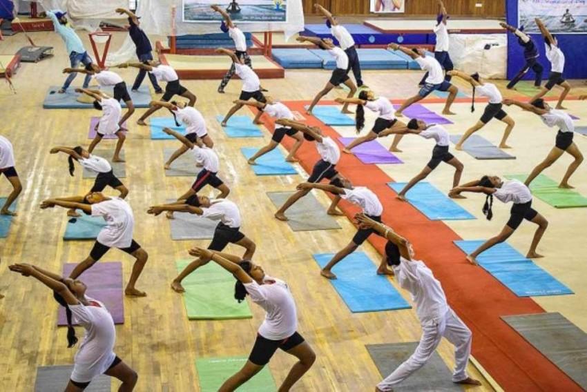 International Yoga Day 2021: Sports Minister Kiren Rijiju Announces List of 25 Fit India Yoga Centres Across 9 States