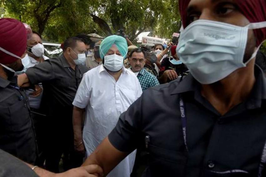 Amid Infighting In Congress' Punjab Unit, Amarinder Singh Arrives In Delhi