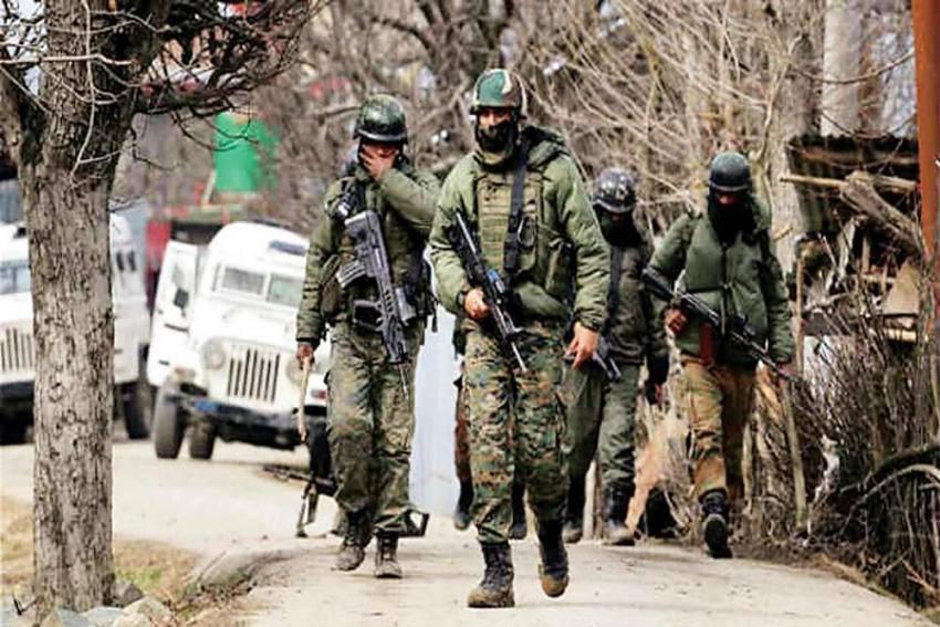 Srinagar: Top LeT Commander, Pak Accomplice Killed