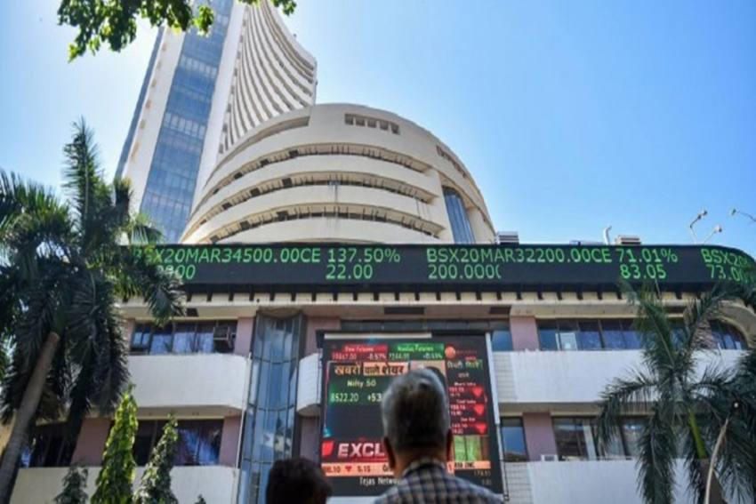 Sensex, Nifty Start On Flat Note Amid Mixed Global Cues