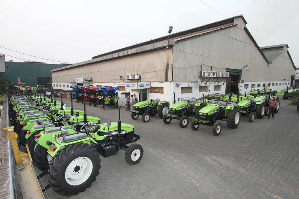 Amidst Covid-19 Wave, Tractor Sale In India Takes A Hit