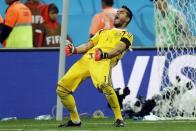 Sergio Romero To Leave Man Utd, Juan Mata In Talks Over A New Deal