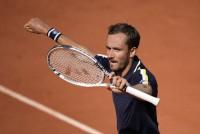 French Open 2021: Daniil Medvedev Sets Up Blockbuster Stefanos Tsitsipas Quarter-final Clash