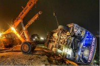 16 killed, Six Injured As Bus Overturns After Hitting Loader On Kanpur-Allahabad Highway
