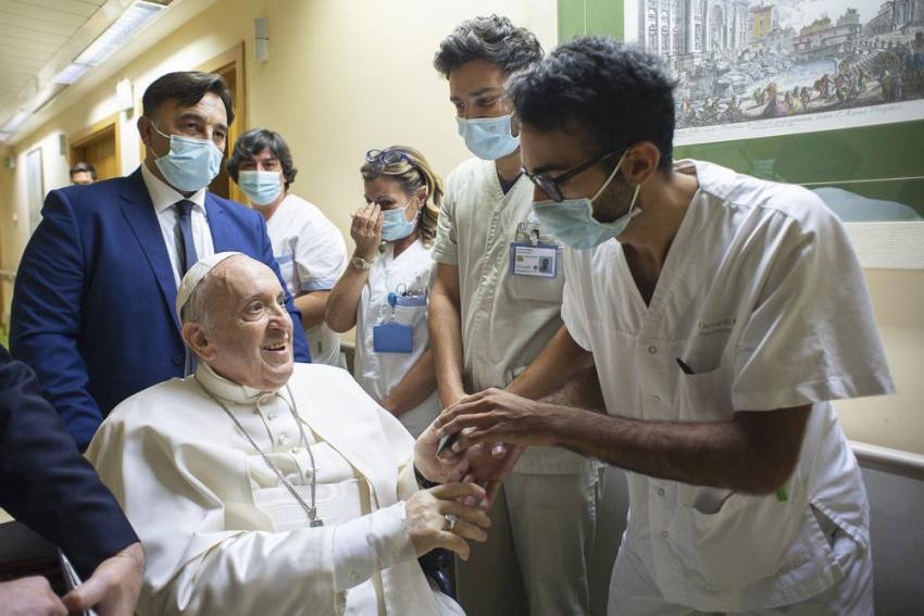 Pope Francis Set To Return To Vatican From Hospital Soon
