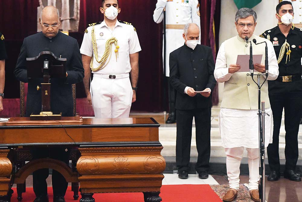 In Modi's Chessboard, Odisha Greenhorn Ashwini Vaishnaw Is The Crusader Knight