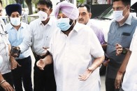 Congress In A Bind As Infighting Threatens To Derail Amarinder's Re-election Bid In Punjab