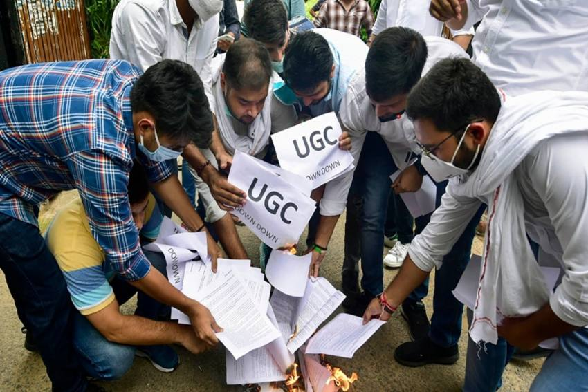 Cancel Board Exams For Non-Regular Students: NSUI Placed Deputation Before TBSE