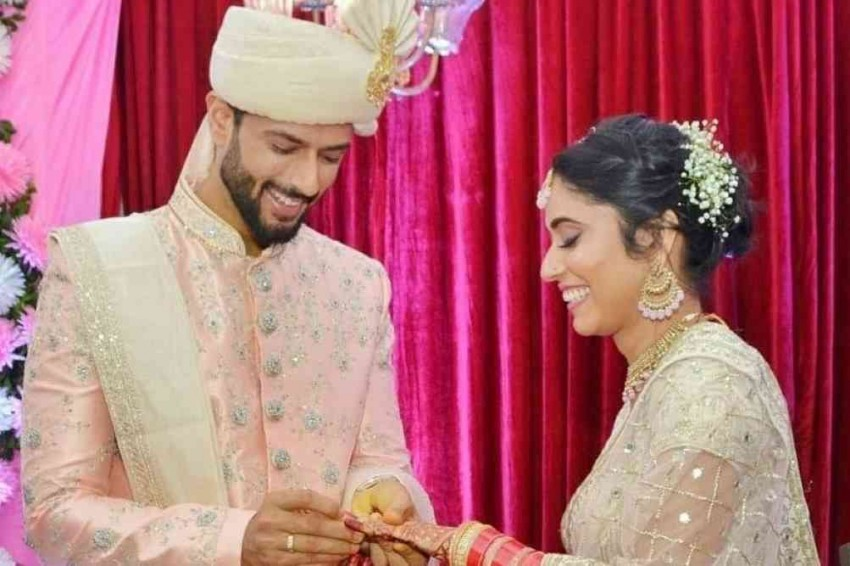 Cricketer Shivam Dube's Inter-Faith Wedding With Anjum Khan Evokes Mixed Reactions