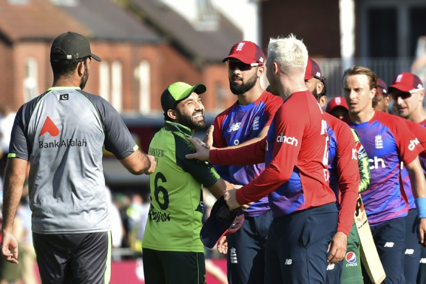ENG Vs PAK, 2nd T20I: England Level Series 1-1 With 45-run Win Against Pakistan