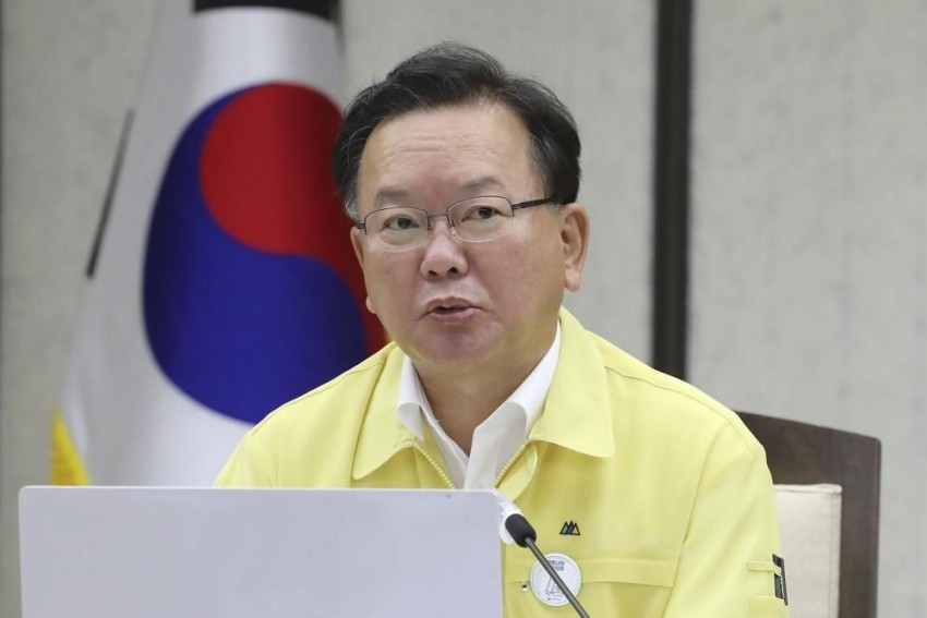 South Korea PM Apologises For Virus Surge Among Soldiers