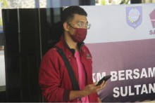 Indonesian Man With Covid Disguised Himself As His Wife To Board Flight