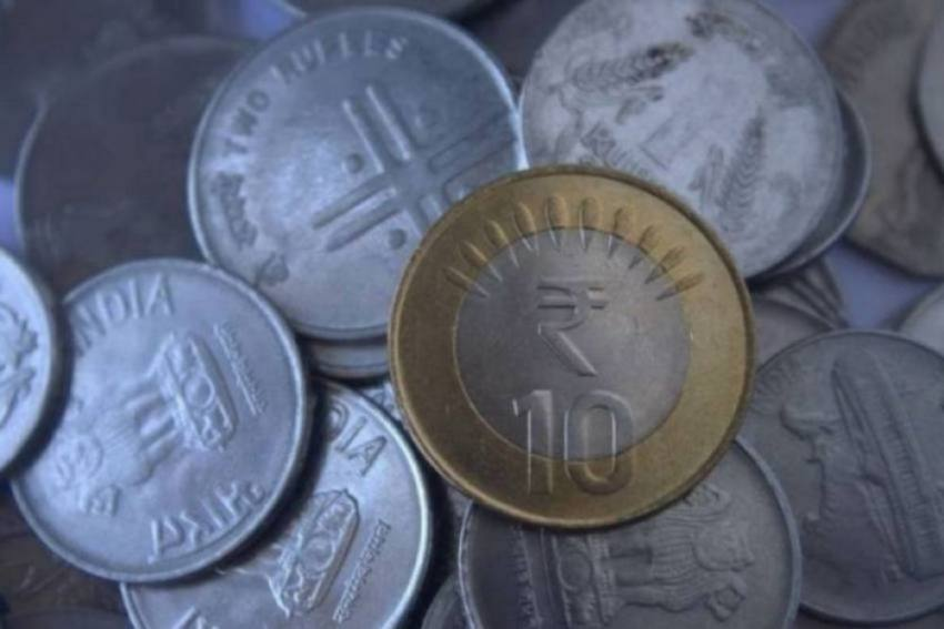 Rupee Gains For Second Straight Session, Settles At 74.46/USD