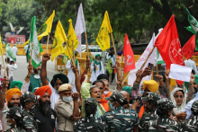 'It's An Unethical Govt, We Suspect They Snooped On Us Too': Protesting Farmer Leaders