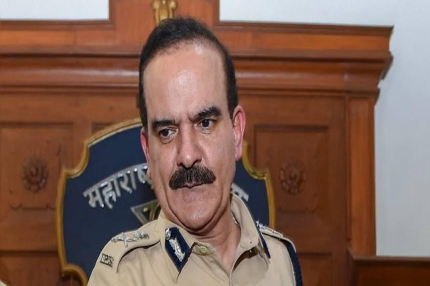 Extortion Case: FIR Against IPS Officer Param Bir Singh, 5 Other Cops