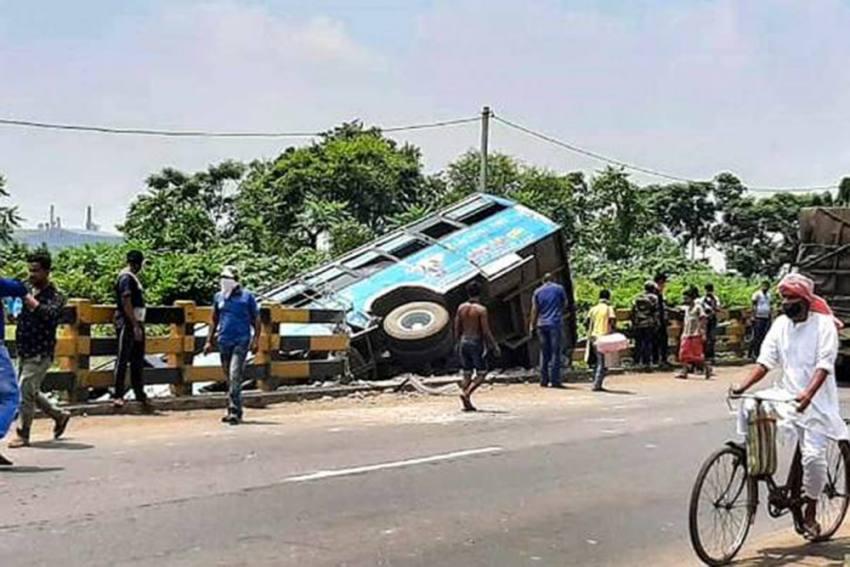 Madhya Pradesh: Bus With 50 People Onboard Skids Off Bridge Amid Heavy Rains