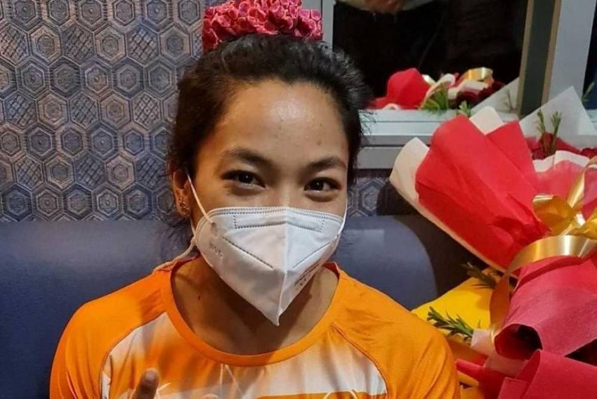 Tokyo Olympic Silver-medallist Saikhom Mirabai Chanu Returns To Warm But Chaotic Reception