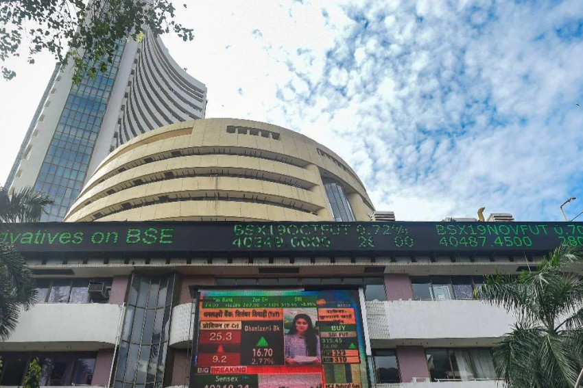 Sensex Down By 192 Points In Early Trade; Nifty Slips Below 15,850
