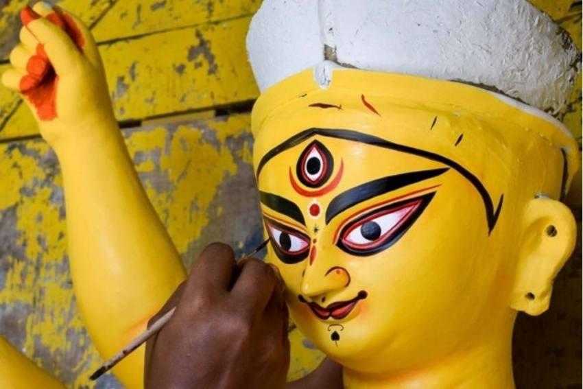 Kumartuli Artisan Ships 10ft Tall Fibreglass Durga Idol To US From Bengal