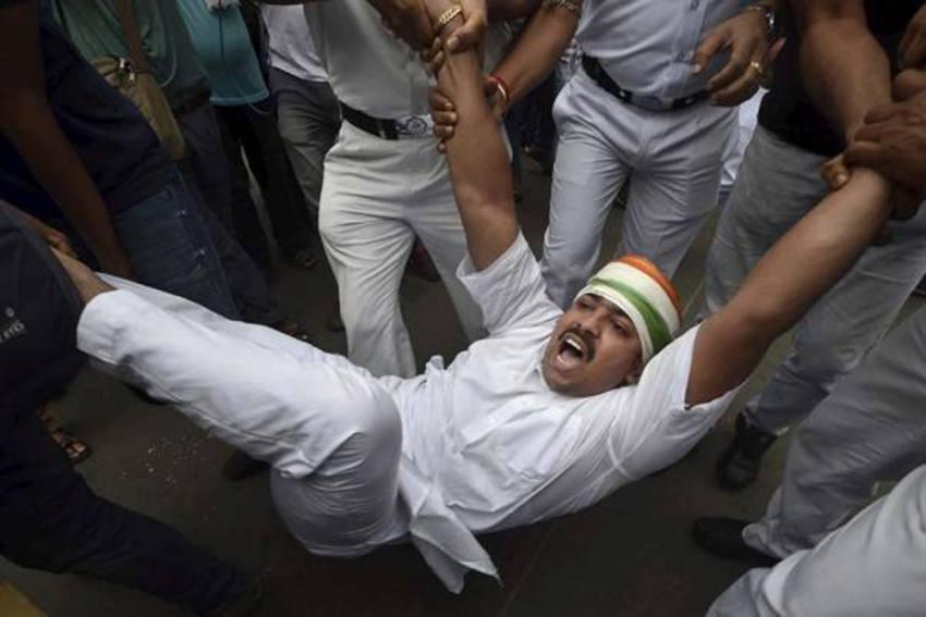 Pegasus Row: Congress Supporters Protest Outside Raj Bhavan In Kolkata