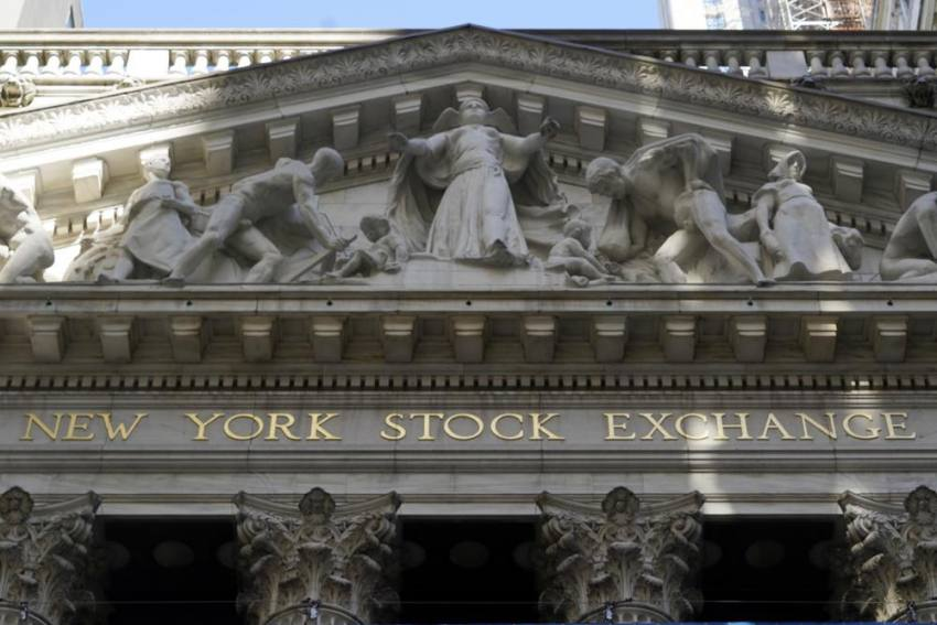 Global Markets Sink Ahead Of US Federal Reserve Report On Economy