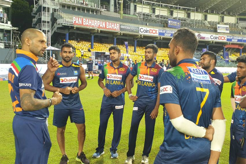 SL Vs IND: Indian Contingent Leaves Sri Lankan Shores, Krunal Pandya Remains In Isolation