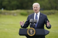Joe Biden's Push To Vaccinate Federal Employees Raises Uneasy Questions