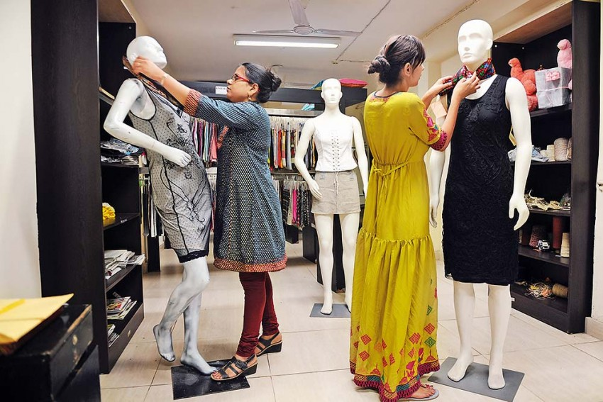 Outlook-ICARE Rankings 2021: India's Top 13 Government Institutes Of Fashion Design
