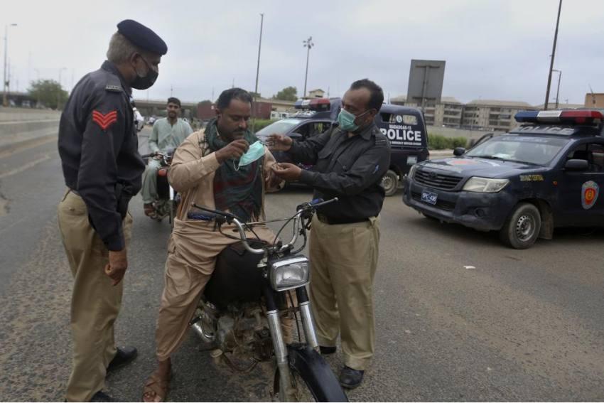 Pakistan Imposes Lockdown In Karachi As Covid-19 Cases Surge