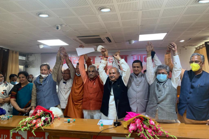 All Is Well: BJP Quashes 'Rumours' Of Upset MLAs Ahead of Uttarakhand CM Oath Ceremony
