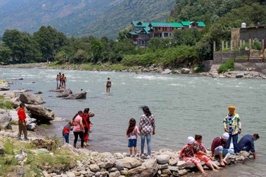 Himachal Pradesh: Tourist Arrivals Drop To 35% After Centre's Warning
