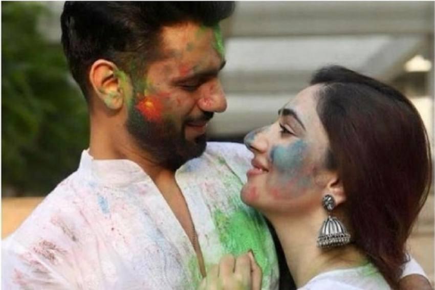 Singer Rahul Vaidya, Actor Disha Parmar Announce Wedding