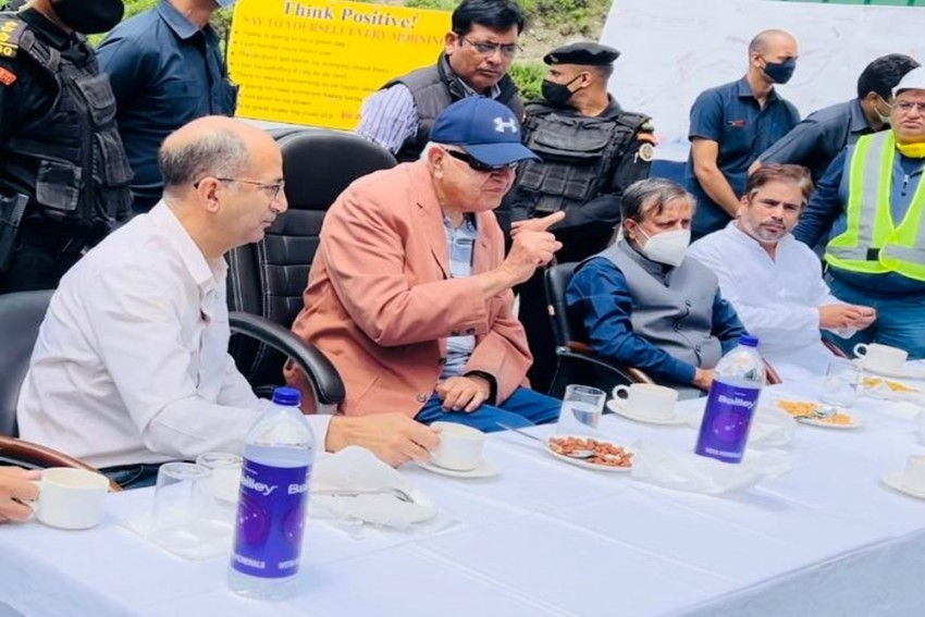 Farooq Abdullah Visits Under-Construction Zojila, Z-Morh Tunnel Projects, BJP Loses Sleep