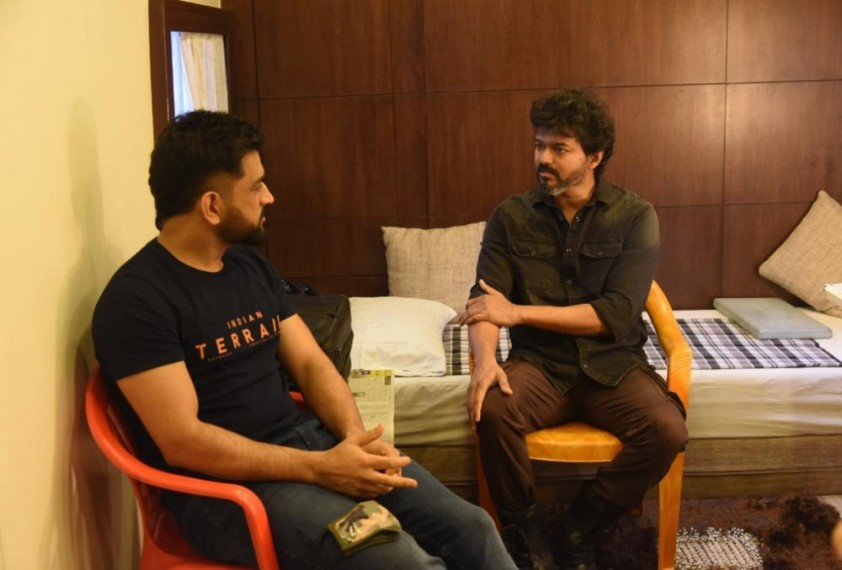 When Thala Met Thalpathy: Pictures Of Meeting Between CSK Skipper Dhoni and Actor Vijay Go Viral