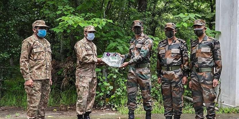 Army Troops Of India And Pakistan Exchange Sweets Across LoC To Mark Pakistan's Independence Day