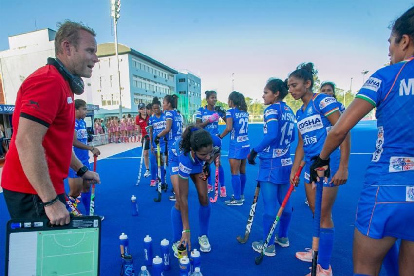 Chak De! 'Real' Hockey Coach Sjoerd Marijne Teases Shah Rukh Khan After India Women Stun Australia At Tokyo Olympics
