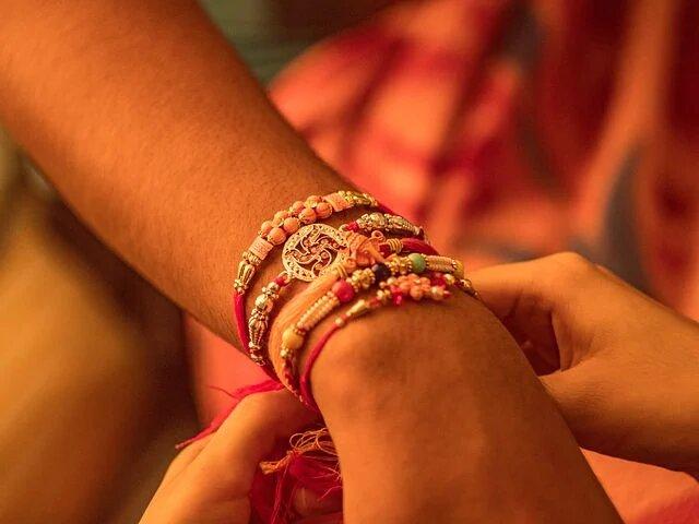 Children Honour 'Corona Warriors', Send Handmade Rakhis And Cards For Doctors And Nurses