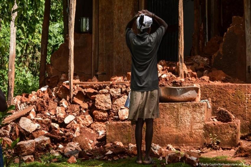Earthquake: Haiti Grows Desperate As Aid Fails To Reach The Needy