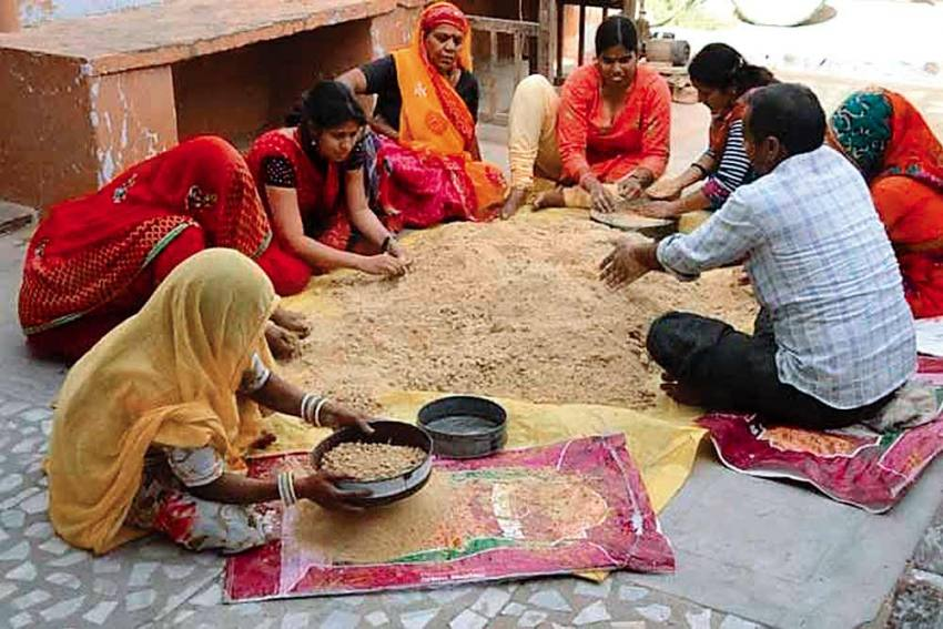 Rajasthan Tehsildar Appeals To Women To Voluntarily Give Up Their Rights From Parental Agri Land