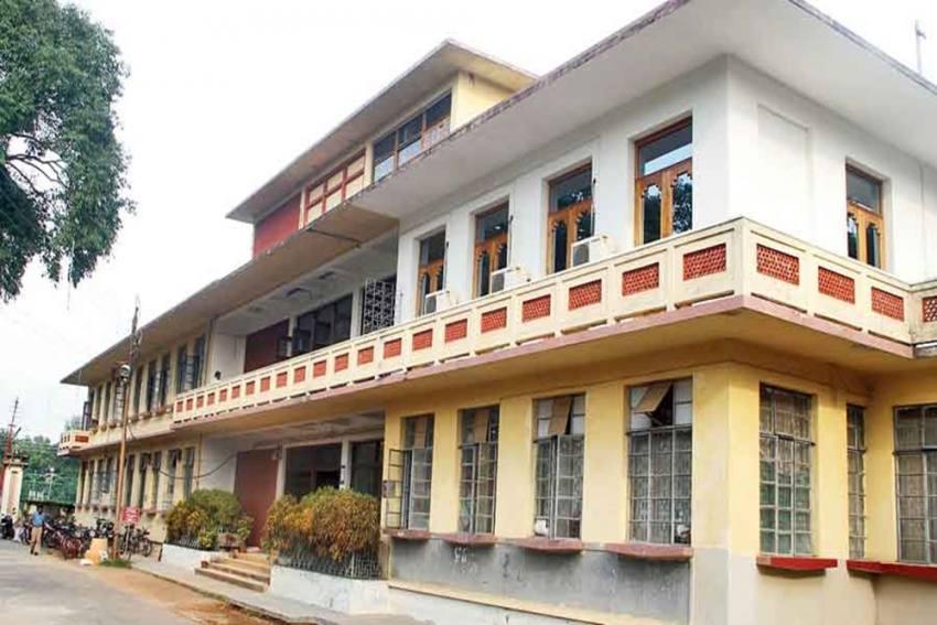 Visva-Bharati Proposes To Rusticate Three Student Leaders For Indiscipline
