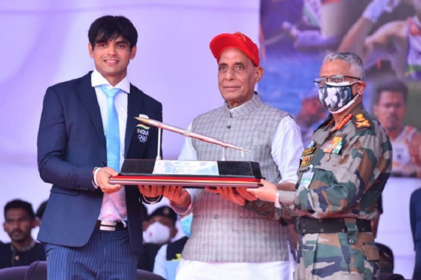 Neeraj Chopra Felicitated By Defence Minister Rajnath Singh, Renames Army Stadium After Tokyo Olympic Gold Medallist
