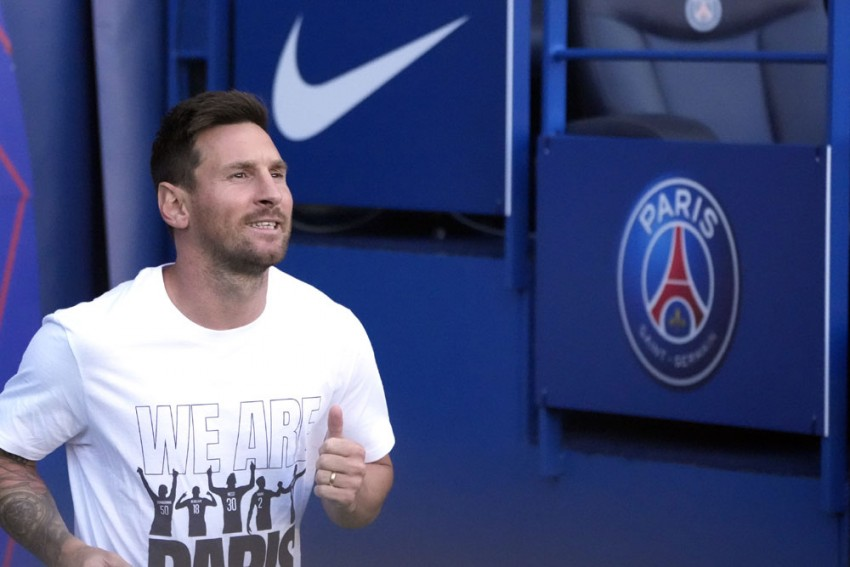 European Football, Sunday Matchday Guide: Lionel Messi's PSG Debut; Manchester United Visit Wolves