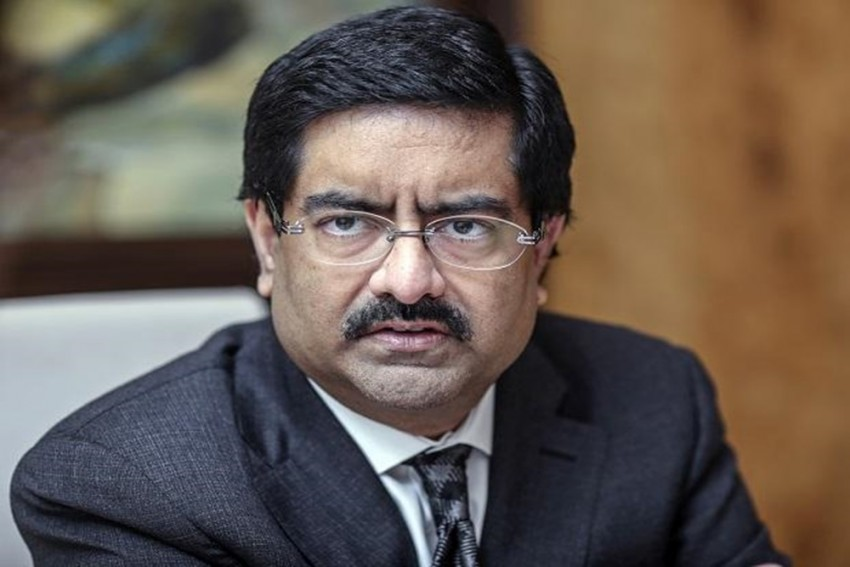 Vodafone Idea Shares Plunge Over 10% After Kumar Mangalam Birla Offers To Hand Over His Stake To Govt