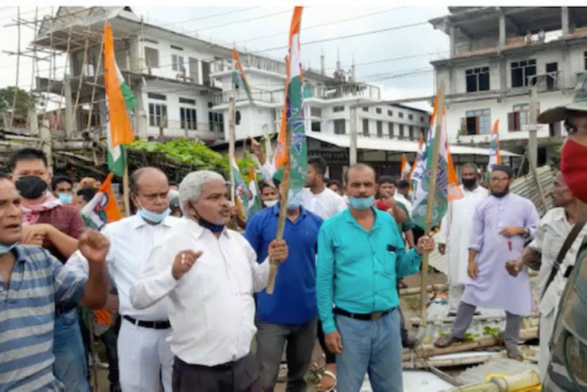 Tripura CM's Convoy Changes Route As TMC Blocks Road In Dharmanagar