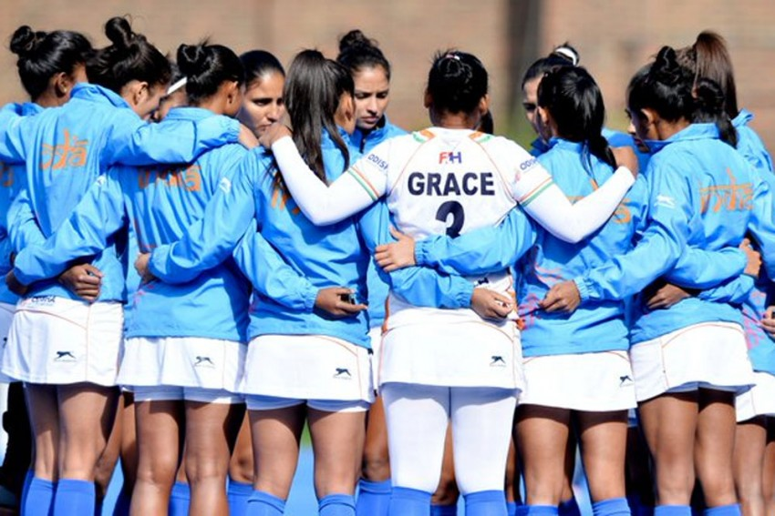 Hockey India Names 25 Players For Senior Women's National Camp