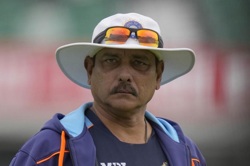 Ravi Shastri, Coaching Staff Likely To Leave UK On September 15